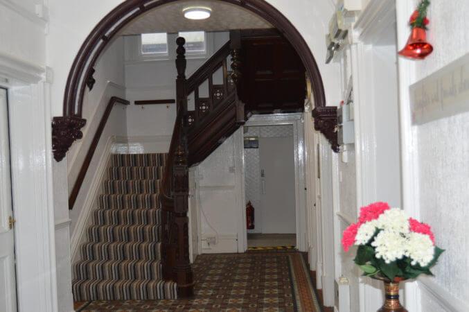 elegance-of-kettering-hallway